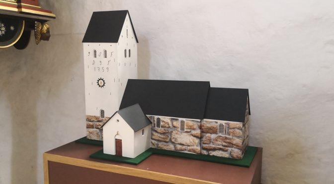 Hellevad Kirke i ministørrelse