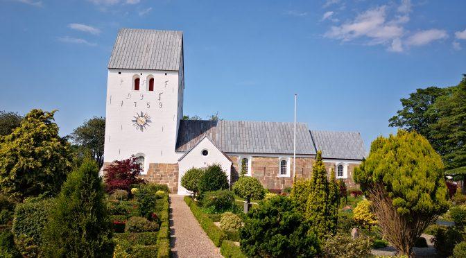 Nye retningslinjer i kirkerne